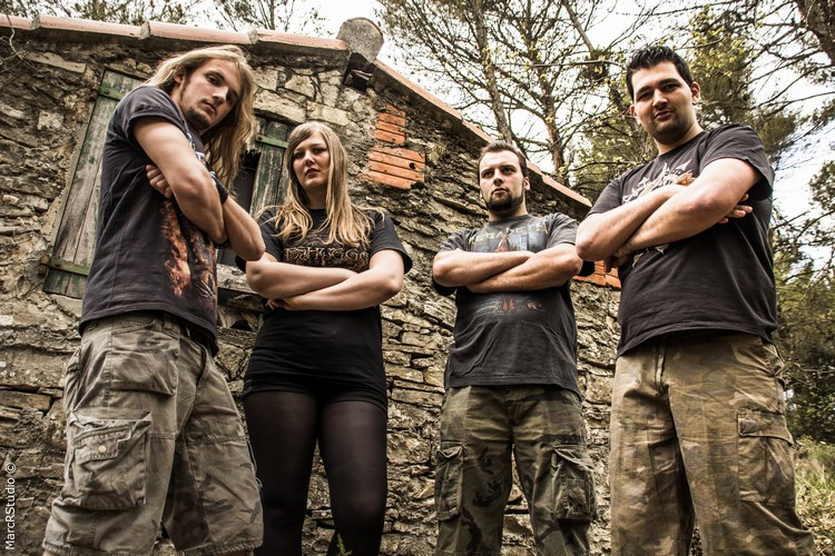 photo presse Defaced